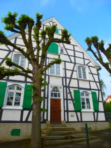 Im Dorf Düssel