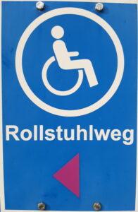 Dieser Weg ist auch für Rollstuhlfahrer geeignet