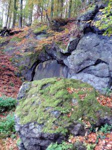 Vulkanisches Gestein in der Ferienregion Pulvermaar