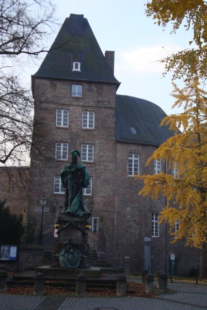 Schloss Moers mit Henriette